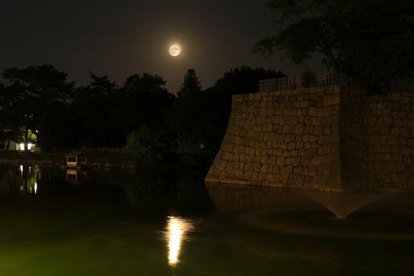 満月がお堀に.jpg小.jpg